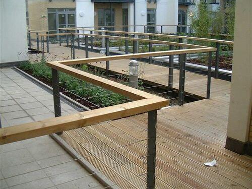 Pimlico Courtyard 2004 0622 081416 AA