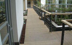Pimlico Courtyard 2004 0622 081548 AA