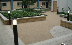 Pimlico Courtyard 2004 0712 074951 AA