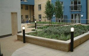 Pimlico Courtyard 2004 0712 075111 AA