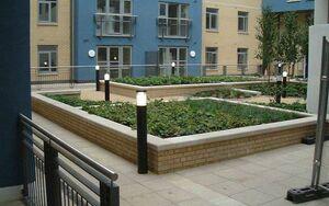 Pimlico Courtyard 2004 0712 075231 AA