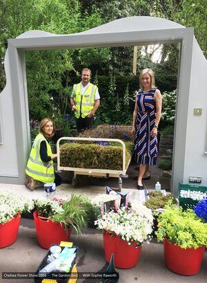 27 Chelsea Flower Show 2016 Garden Bed floristry Sophie Raworth